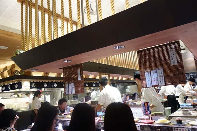 根室花まる JRタワーステラプレイス店(北海道札幌)大人気行列店はCP値さすがの回転寿司