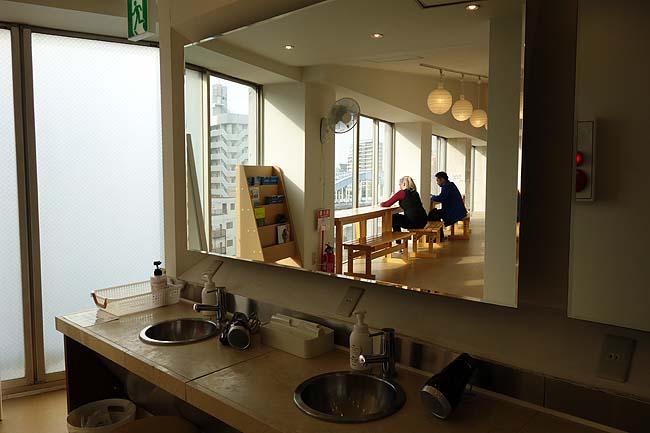 オークホステルキャビン(東京日本橋)バックパッカーの常宿♪2300円カプセルタイプの激安ゲストハウス