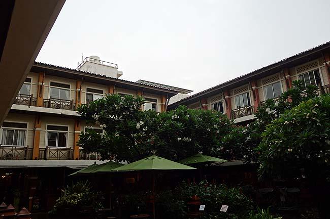 この旅最高CP値ホテル!1700円でこのレベルに泊まれるとは・・・「ランブトリ ヴィレッジ プラザ」