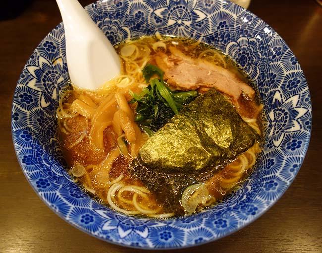 肉厚わんたん麺と手作り焼売 ら麺亭(東京浅草)350円のラーメン[中華そば]は素晴らしいコストパフォーマンス!