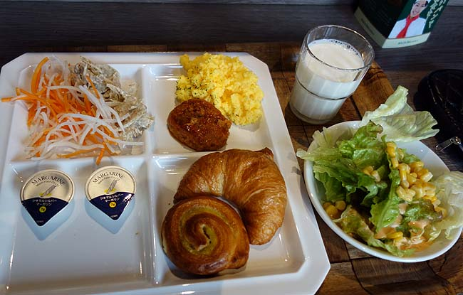 BIZCOURT CABIN すすきの(北海道札幌)さすがルートインホテル!朝食バイキングも旨いもん揃えてるね