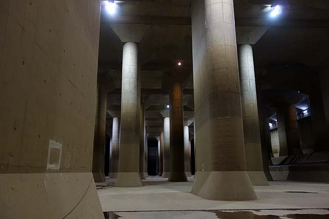 地底探検ミュージアム 龍Q館(埼玉春日部)首都圏外郭放水路はまさに地下神殿の神秘雰囲気!