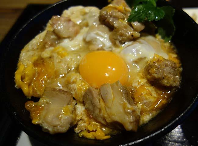佐五右衛門(東京)700円♪値段でいただける「親子丼」としては最高峰の部類です[焼鳥屋の平日限定ランチ]
