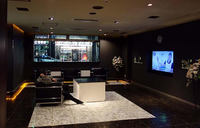札幌での常宿にチェックイン!ここのカプセルホテルはホント安い宿泊料の割に充実してる