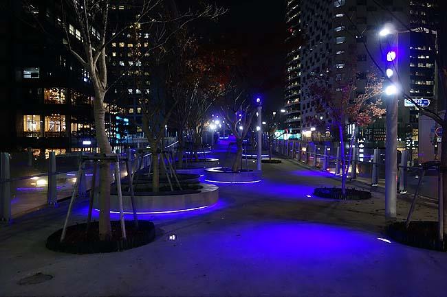 ソウル初夜はテクテク歩いて南大門方面へ・・・異国の夜街歩きはやっぱ楽しいもんだ♪