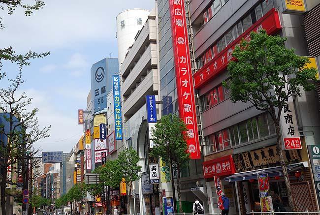 やっぱ東京では「南海」系列のカレーは最高の旨さ♪2300円激安新宿カプセルホテル