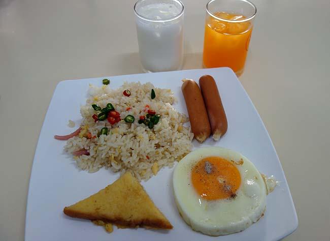 ザ クルンカセーム シークルン ホテル[The Krungkasem Srikrung Hotel](タイバンコク/ファランポーン)朝食はバイキング形式です