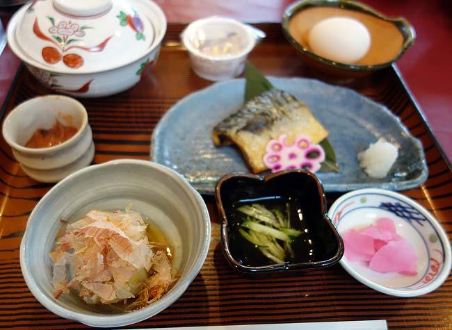 ホテル・テレーノ 気仙(北海道標茶)2食付き6500円レベルなので朝食はビジホクラスの和朝食です
