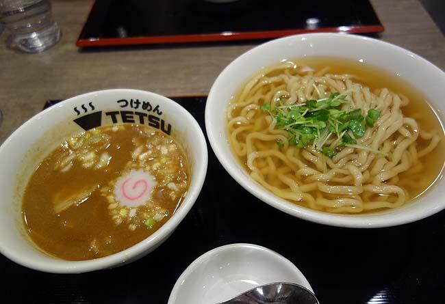 つけめんTETSU 阪急三番街店(大阪梅田)チェーン店のつけ麺屋では強めの魚介風味で一番好きな味かもです♪