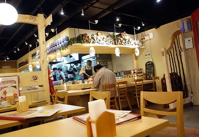 チロリン村 南2条店(北海道札幌)パスタ専門店の昆布バジルパスタ~ベーコントッピングスペシャル
