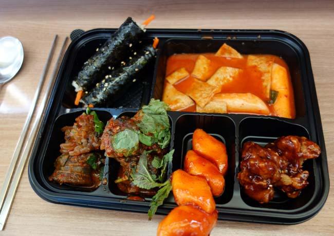 ワンコイン500円で惣菜セルフチョイス♪「通仁市場」のお弁当~ソウル行動最終日