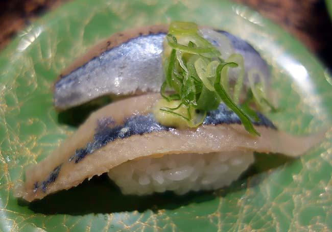 廻転ずし とっぴ~ 桑園店(北海道札幌)北海道ローカルチェーン回転寿司では老舗ですね