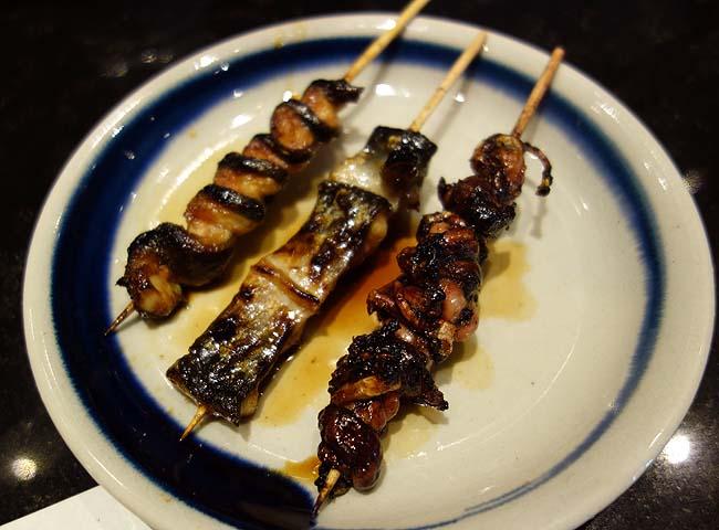 この日の夜は池袋徘徊♪立ち飲み→念願の鰻串で日本酒→125円~回転寿司とはしごでい!