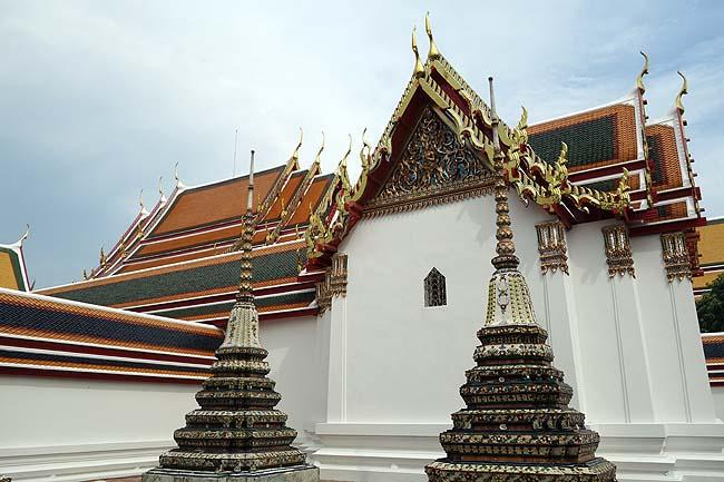 ワット・ポー(タイバンコク)巨大黄金涅槃仏は日本巨大像めぐりをしていた私でも圧巻!と思えた!