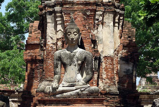 ワット・マハータート(タイアユタヤ)アユタヤ王朝初期の貴重な遺跡だが肝心なものを見るの忘れた・・・