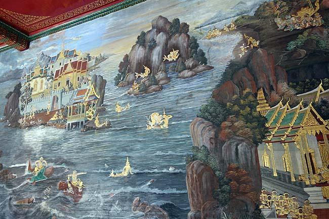ワット・プラケオ[王宮及びエメラルド寺院](タイバンコク)この煌びやかな日本では絶対にお目にかかれないシーンは1度だけでも