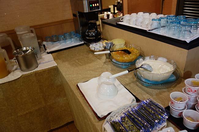 サウナ&カプセルホテル ウェルビー栄(愛知名古屋)カプセルの朝食バイキングでは今までで一番豪華だったかも?[食事編]