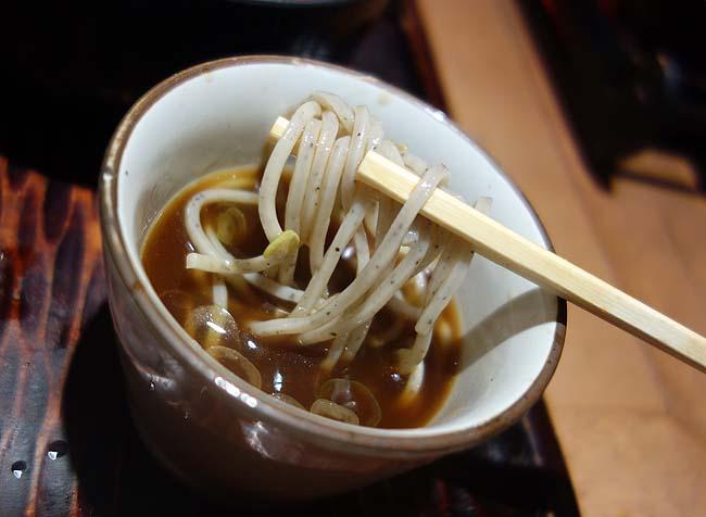 八雲 札幌パルコ店(北海道)札幌の大衆蕎麦チェーンでいただくミニ丼+ミニそば520円セット