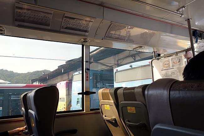 台湾のバスってこういうことが日常茶飯事?そして宿を変えます♪今回の旅は台北ドミトリー巡りもテーマですよ