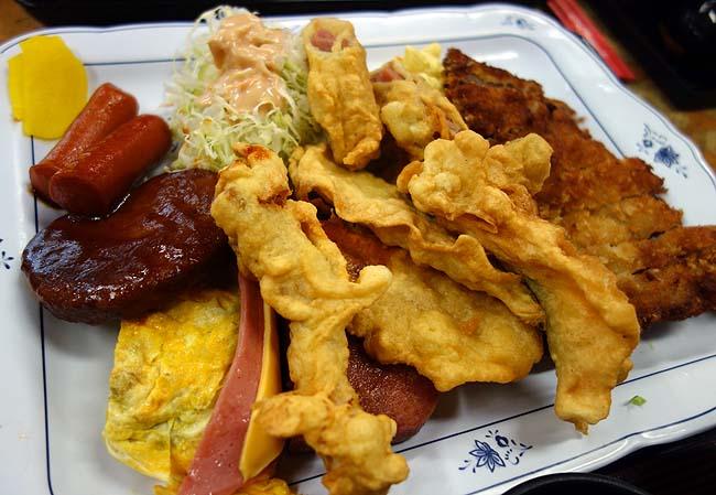 あやぐ食堂(沖縄那覇首里城)久々の沖縄大衆食堂でいただく大人のお子様ランチのAランチとちゃんぷるー