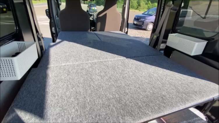 【スズキエブリイ車中泊仕様カスタムDA17V】フルフラットにした状態で床下収納できるように自作ベッドキット イレクターパイプと合板を使用