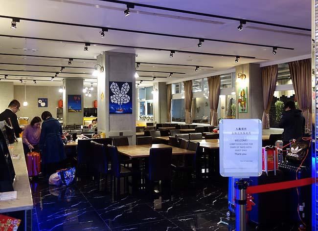 これで宿泊1800円ドミトリーの朝食バイキングなのか・・・めっちゃすごい!ネクスト タイペイ ホステル-タイペイ ステーション ブランチ (Next Taipei Hostel-Main Station)台湾