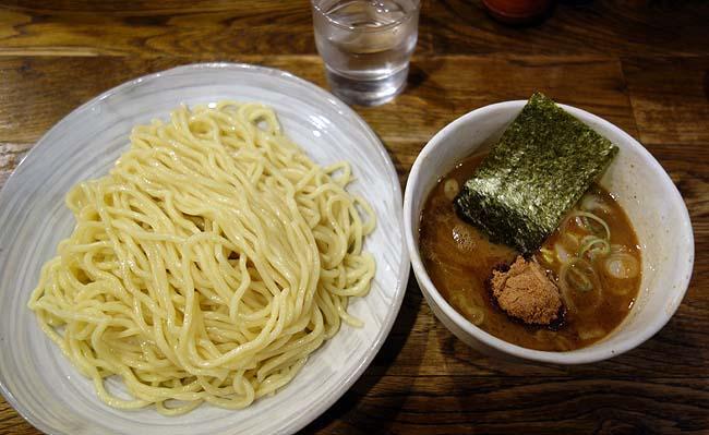 【東京B級グルメ】南新宿の行列900円大盛り無料濃厚鶏&魚介Wスープつけ麺!都営地下鉄ワンデーパス(500円)を使って「風雲児」つけ麺・らーめん