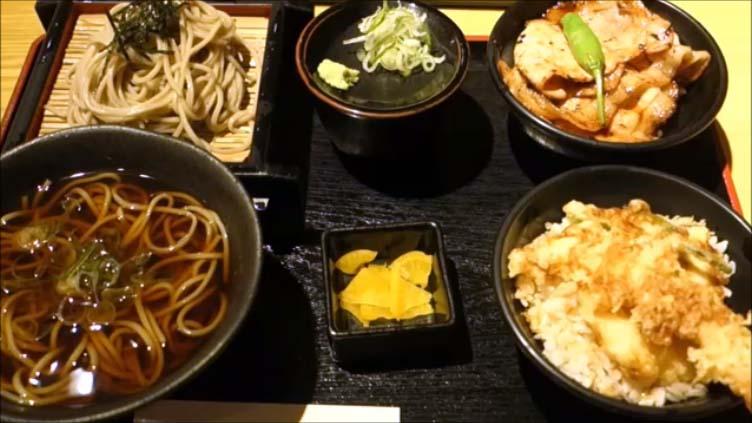 【北海道そば巡り】幌加内産のそば粉を使った蕎麦を店内で製麺[北海道そば 天ぷら 豊ろ香]ざるそば/かけそば/天丼/豚丼の割子セット