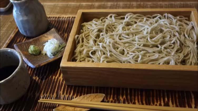 【ミシュランビブグルマンに輝いた北海道の行列人気蕎麦屋】いし豆[ニセコ]美味しい十割そばを巡る北海道車中泊旅 もりそば&かけそばをシェア食い