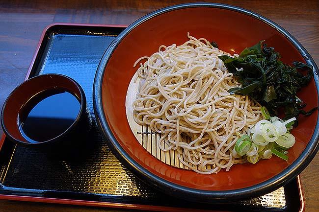 蕎麦一心たすけ 日本橋店(東京)蕎麦の質が素晴らしい立ち食いそば屋さんで290円もりそば