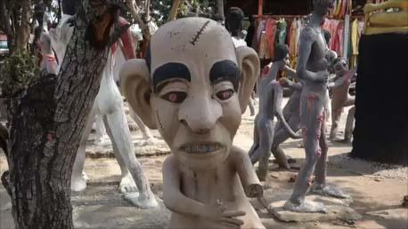 【タイ恐怖の地獄寺】地獄の人形はまだまだ続く・・・そしてその地獄の呪いは帰りにどかんと!ワットパイロンウア[Wat Phai Rong Wua]