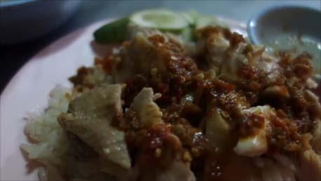 ソイブッカオとサウスロードが交差するところにある【カオマンガイ屋台】がタイで今まで食った中で最高の旨さ!(タイパタヤ)