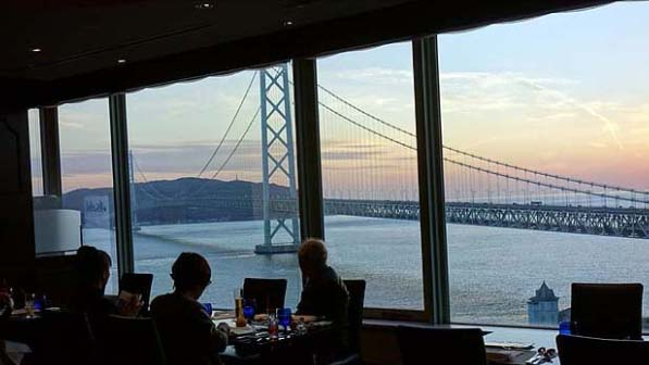 【神戸の明石海峡大橋眺望抜群シーサイドシティホテル】舞子ビラ/豪華和食会席の夕食とステーキまである朝食バイキング