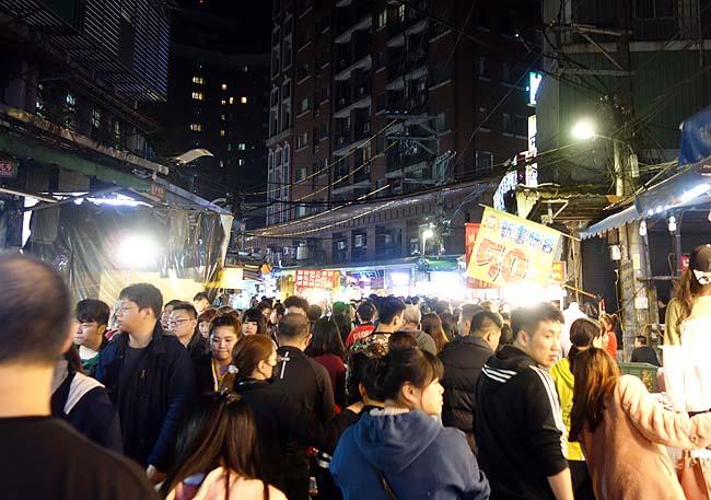 台湾のローカル夜市めぐりも今日は賑わってた!「板橋湳雅觀光夜市」(台湾新北市)