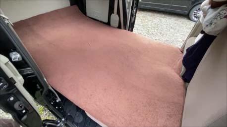 【スズキ・エブリイ車中泊仕様カスタム】後部寝床スペース用にはセミダブル4㎝高反発マットレスがぴったり!フロアマットも楽天で激安