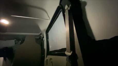【スズキ・エブリイ車中泊仕様カスタム】約2000円!目隠しシェードをプラダン+100均商品を使い8面全ての窓用に自作!
