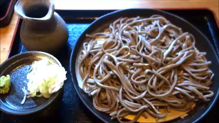 【北海道600円でいただける手打ち十割蕎麦】そば処 農志塾(上川郡清水町)かけそばともりそばのシェア食い