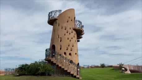 【スズキエブリイ北海道車中泊温泉旅2日目】北海道幕別には異国の遺跡のような珍建築が存在!「ピラ・リ」