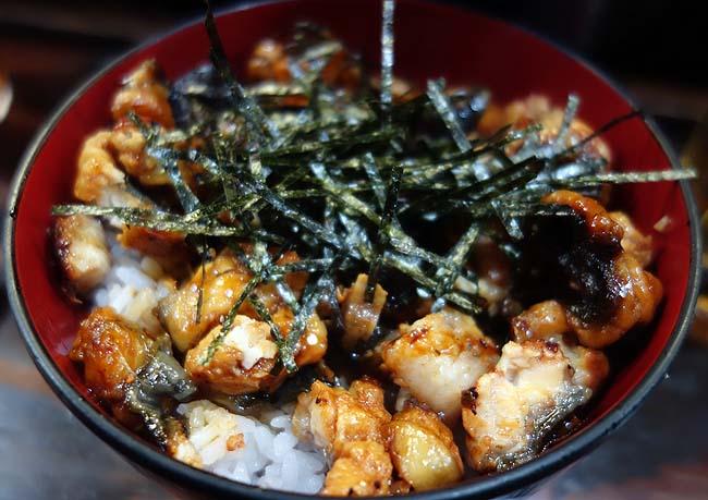 【Youtube動画有】ワンコイン鰻丼で有名な「宇奈とと」で期間限定うなぎ3倍増しの「うなめしギガ増し」[東京新橋]