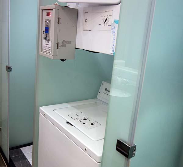 これぞ真骨頂!台湾進化型カプセルホテルはまるで宇宙船内部♪そして朝食付き1780円と激安!