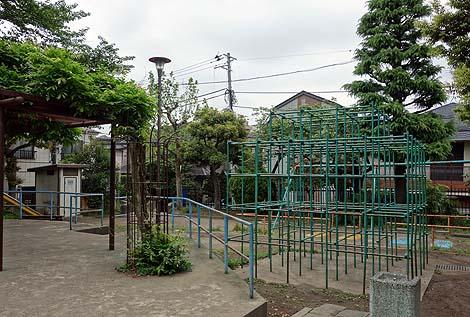 赤羽三和児童遊園 白鳥すべり台(東京赤羽)懐かしき公園遊具の世界
