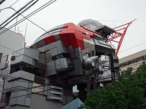 青山製図専門学校 1号館(東京渋谷)珍建築