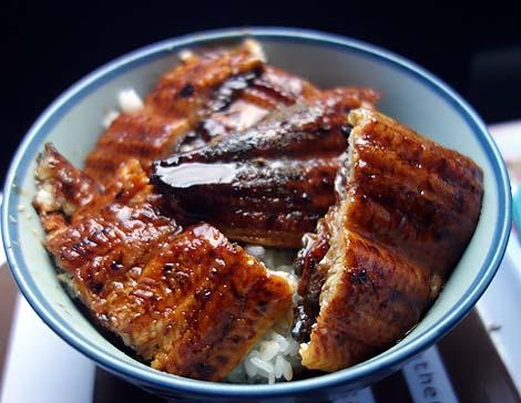ベルプラス 沼宮内店(岩手県岩手町)鰻丼と芋の子汁用豚肉/ご当地スーパーめぐり