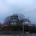 郊外住宅地に不気味に佇む廃墟ラブホテル「道後城」(愛媛松山)ニセ城シリーズ