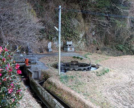 音無井路十二号分水(大分竹田)円筒分水 B級珍スポット