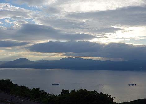 神戸の夜景とは全く違った雰囲気のゴージャス系夜景?「函館山からの夜景」(北海道)