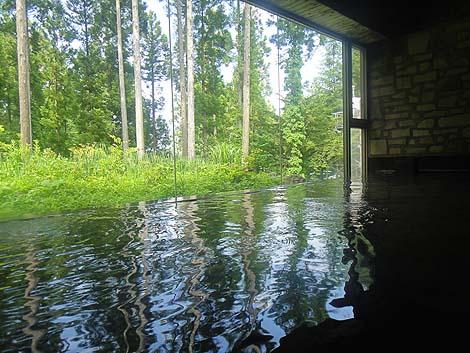 群馬の山奥にある巨大ホテルの日帰り入浴「はまゆう山荘 倉渕川浦温泉」(群馬高崎)