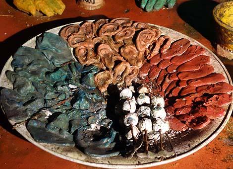 巨大な大仏頭とその地獄めぐりの全国ナンバー1規模の珍スポット「ハニベ岩窟院」(石川小松)