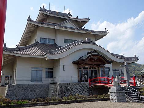 伊賀上野城ではございません・・・ 平安城[天真教](三重伊賀)怪しいニセ城シリーズ