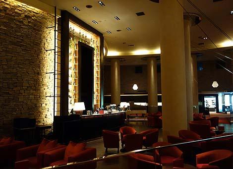 羊蹄山を望む高級ホテルでありながら源泉かけ流しの温泉「ヒルトンニセコビレッジ」(北海道ニセコ)